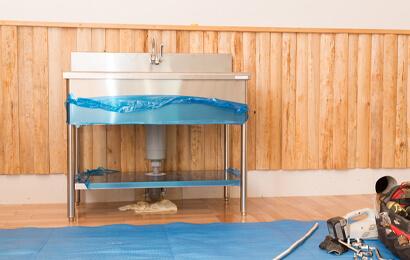 新規開店に向けた水廻り設備の工事