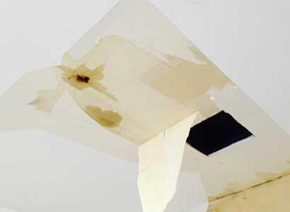 天井からの水漏れ